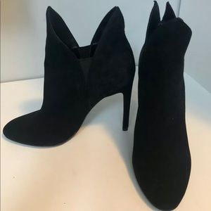 size 6 Kendall and Kylie Madison high heel boot